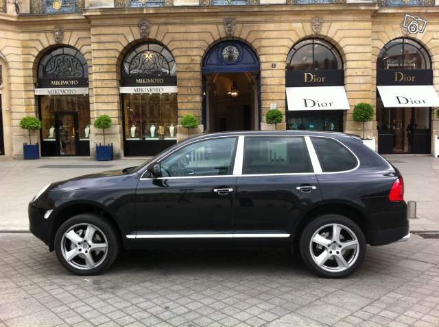 location avec chauffeur de voiture prestige offre paris 75001 paris 100. Black Bedroom Furniture Sets. Home Design Ideas