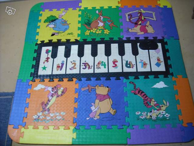 tapis musical winnie l 39 ourson offre indre 36230 neuvy. Black Bedroom Furniture Sets. Home Design Ideas