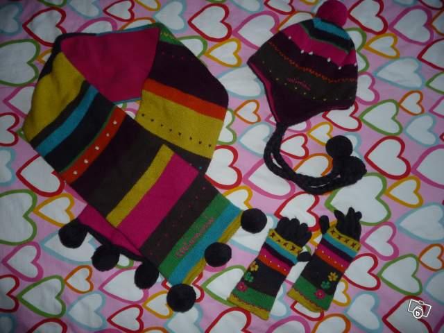 catimini hiver 2011 bonnet echarpe gants 2 3 ans offre haut rhin 68850 staffelfelden 60. Black Bedroom Furniture Sets. Home Design Ideas