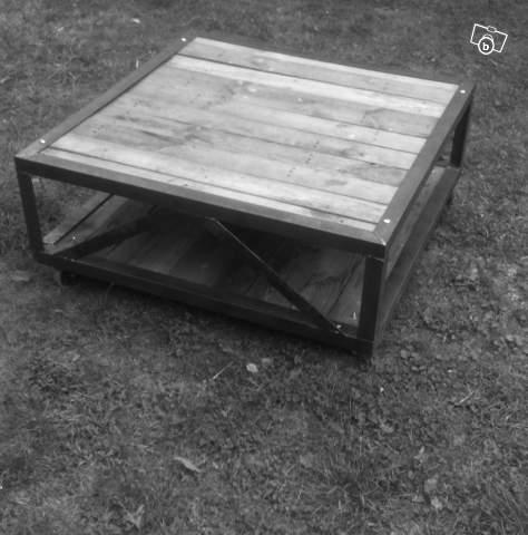 table basse bois m tal au design industriel ldt ameublement bouches du rh ne offre 13100 aix en. Black Bedroom Furniture Sets. Home Design Ideas