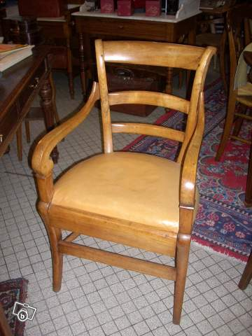fauteuil de bureau en merisier et assise cuir offre cher 18100 vierzon 290. Black Bedroom Furniture Sets. Home Design Ideas
