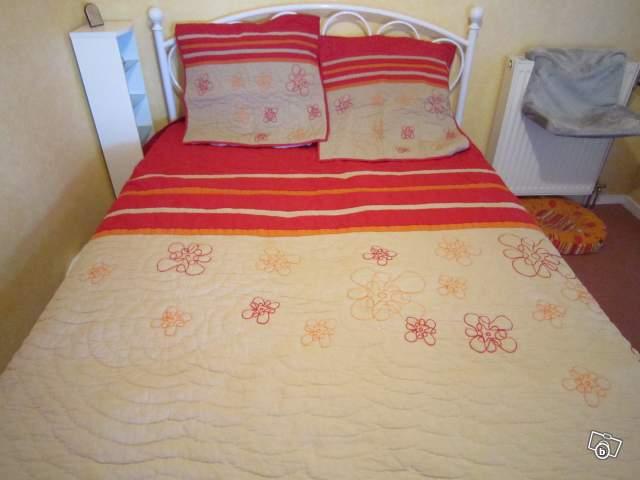 boutis couvre lit becquet neuf offre yonne 89000 auxerre. Black Bedroom Furniture Sets. Home Design Ideas