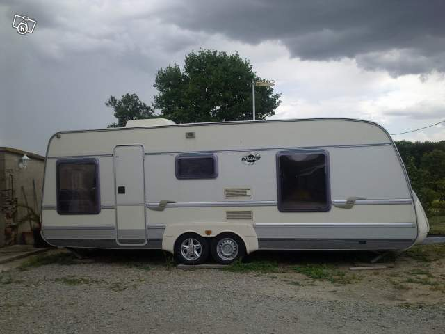 pieces occasions caravane cherche allier 03370. Black Bedroom Furniture Sets. Home Design Ideas