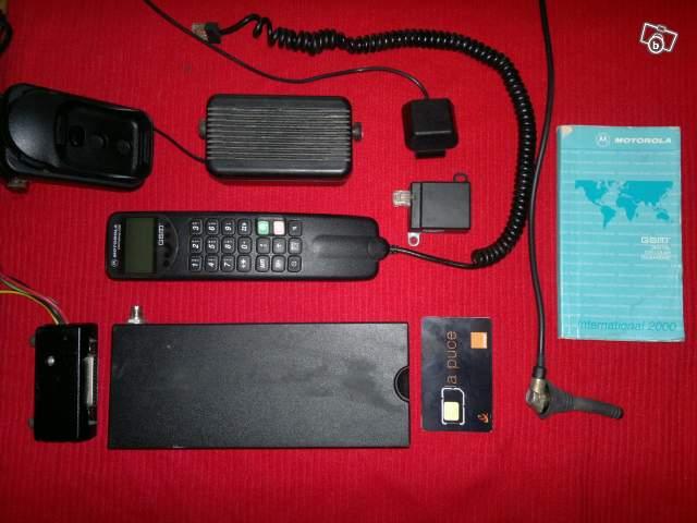 telephone de voiture 8watts fixe main libre offre ille et. Black Bedroom Furniture Sets. Home Design Ideas