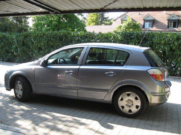 opel astra 1 8 lt enjoy automatique 2005 offre haute savoie. Black Bedroom Furniture Sets. Home Design Ideas
