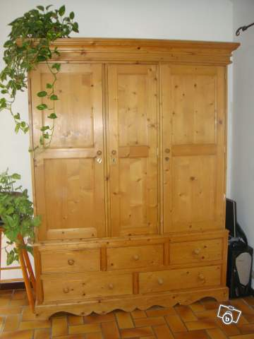 armoire interiors bois cir guill33 offre gironde 33290 le 1200. Black Bedroom Furniture Sets. Home Design Ideas